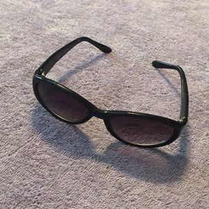 Steve Madden's sunglasses